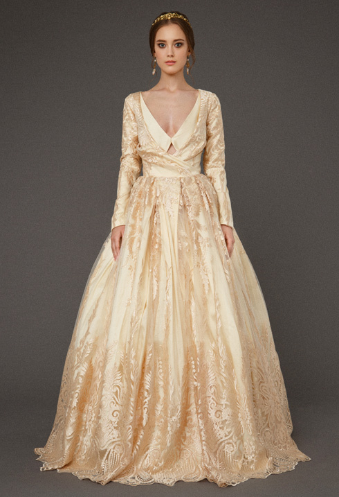 VictoriaSpirina_model_dress_BriarGoldlace_IMG5415